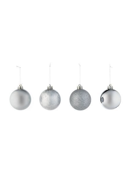 Linea Pack of 16 shatterproof silver baubles