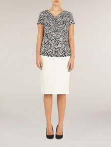 Oyster pencil skirt