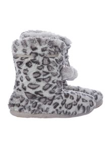 Leopard printed fur booties