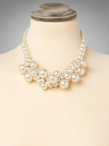 Toni cluster pear necklace