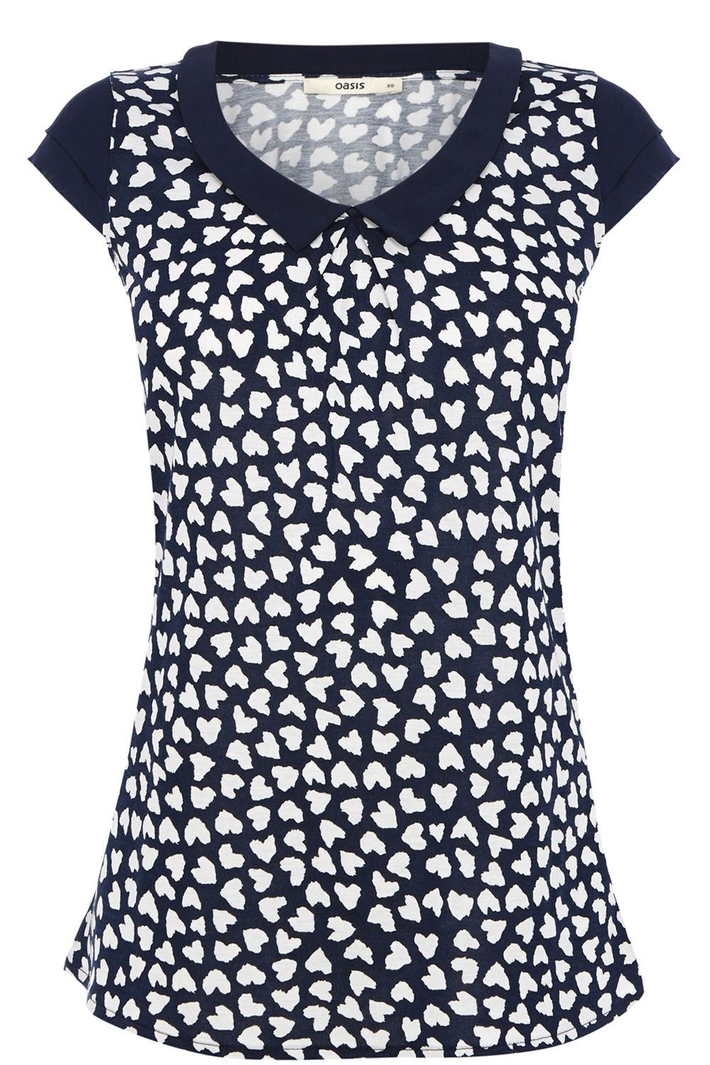 Heart print tipped collar blouse