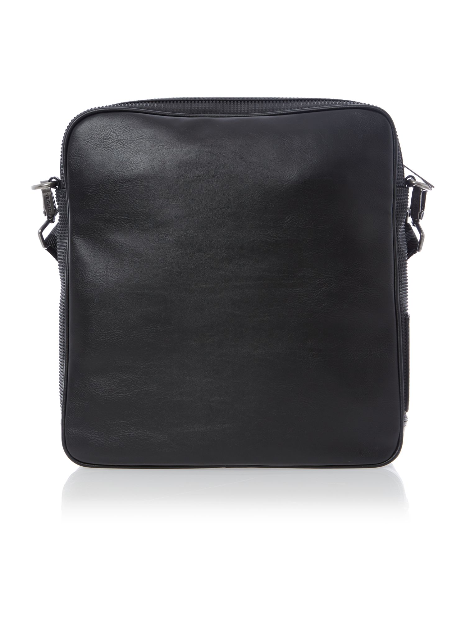 Chaci textured flight bag