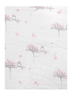 Babys fitted muslin cot sheet