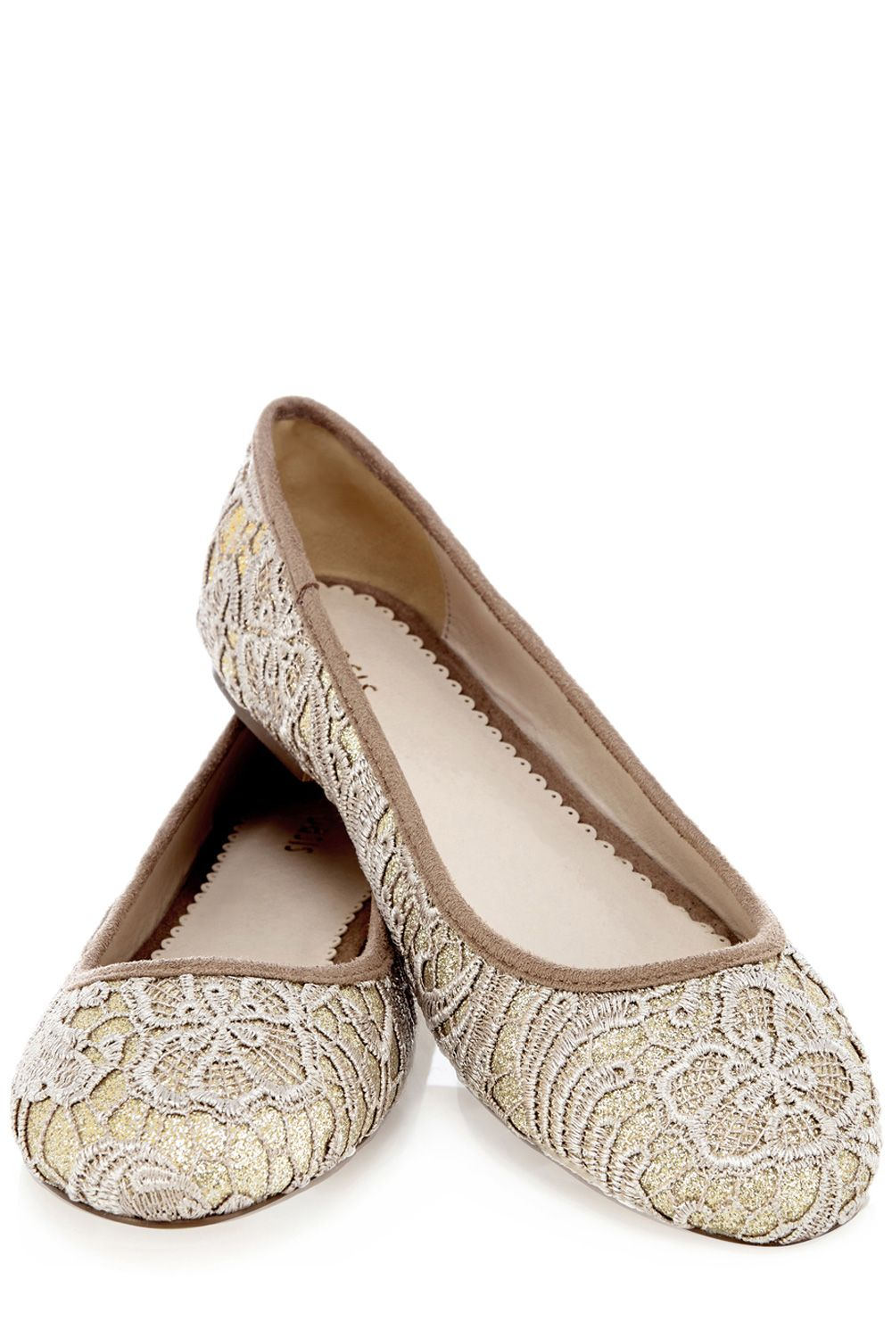 Lucinda lace pumps