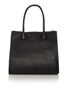 Black tote bag with pouchette