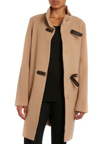 Buckle collar wool coat