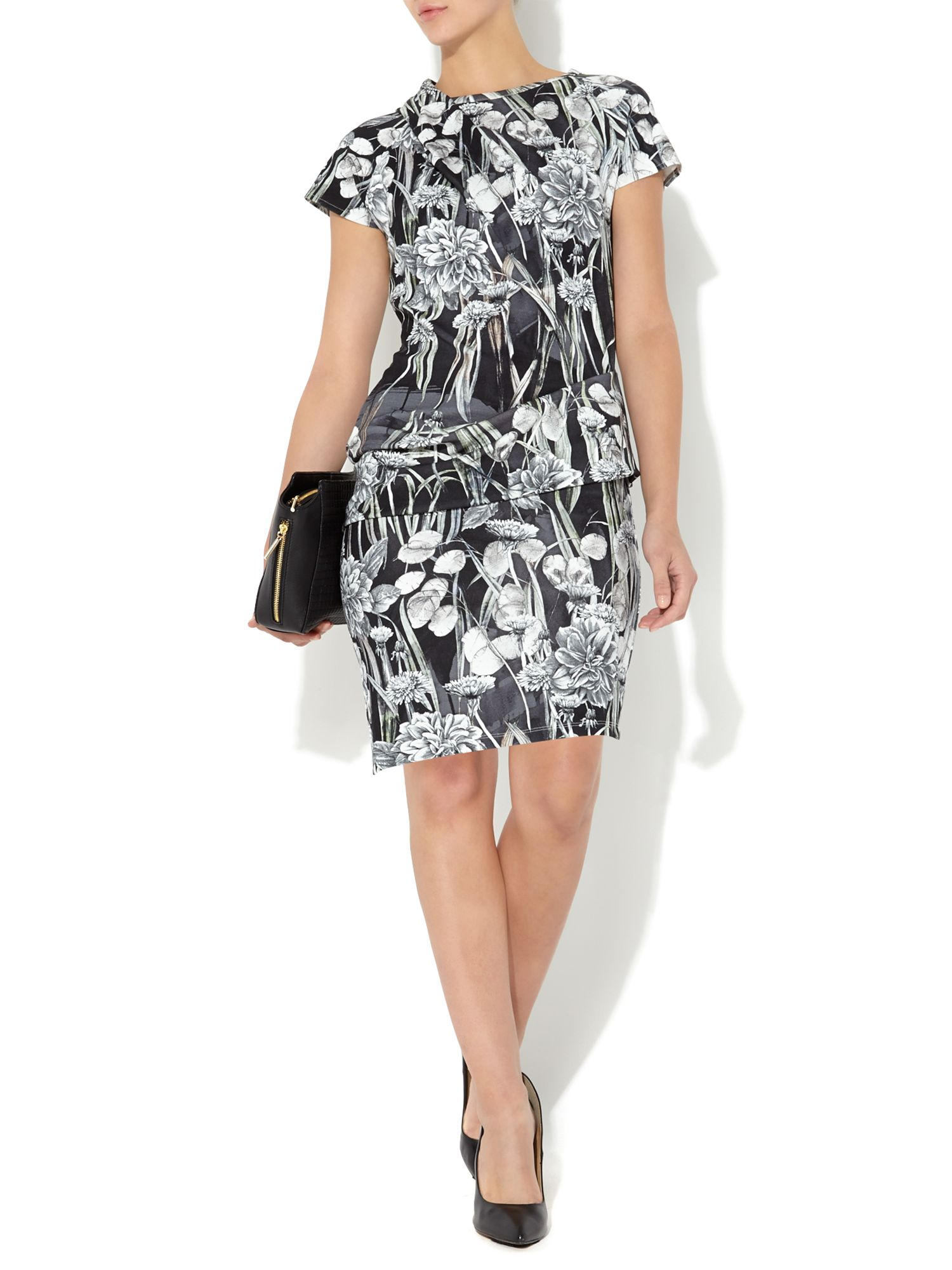 Printed twist and tuck dress