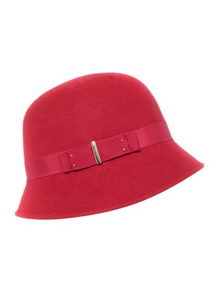 Buckle trim cloche
