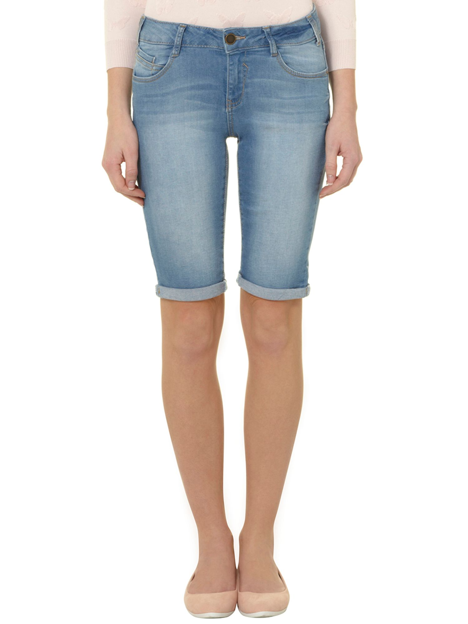Light washed knee short