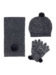 Girls set of hat gloves and scarf