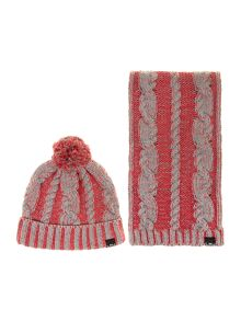 Girls set of knitted hat and scarf