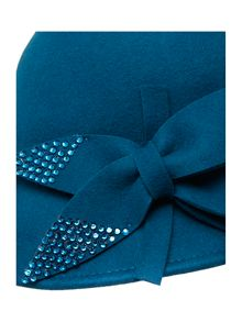 Stud bow cloche