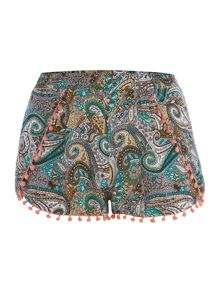 Floral shorts with pleat & lace hem