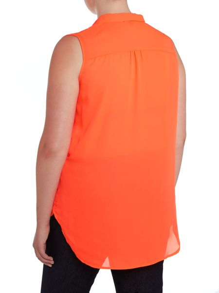Samya Crossover pleat front top with dip hem