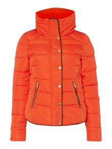 Short padded puffer outerwear
