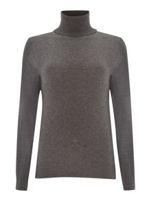 Long sleeved fine knitted cashmere sweater