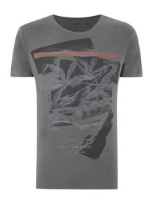 MAPLE LEAF PRINT GRAPHIC T-SHIRT
