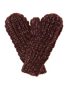 Girl`s knitted mittens