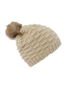 Line knit beanie with pom pom