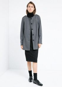 Buttoned wool-blend coat