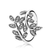 Pandora Shimmering Leaves Ring