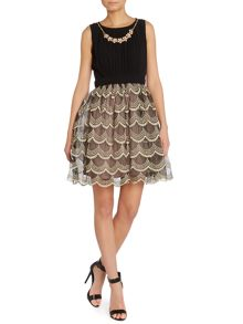 Layered lace skirt necklass neck dress