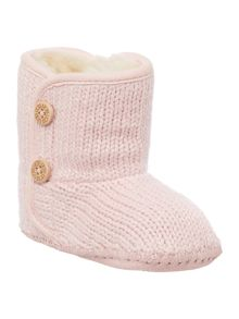 Babys knitted bootie with button