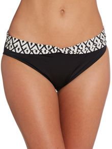 Tanzania twist front brief