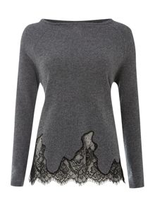 Pullover with lace hem
