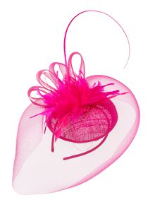 Crin veil headpiece with feather flowers