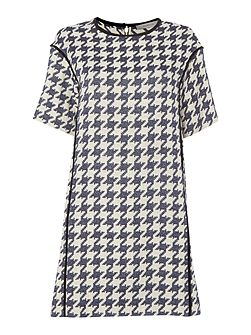 Houndstooth print short sleeve dress