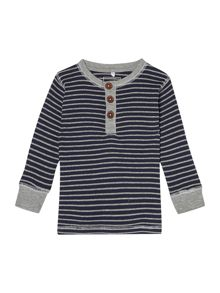 Boy`s long sleeved stripe t-shirt