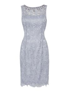 Sleevless guipure lace dress with beaded neckline
