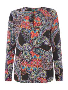 Long sleeved printed top