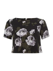 Short sleeve textured floral crop top