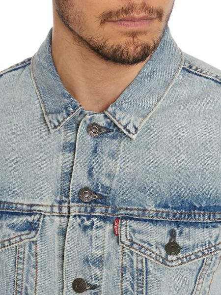 Levi's Trucker jacket in light wash
