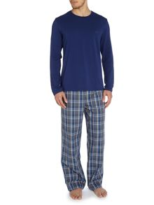 Long sleeve tshirt and check pant set