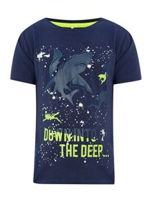 Boys short sleeved shark t-shirt