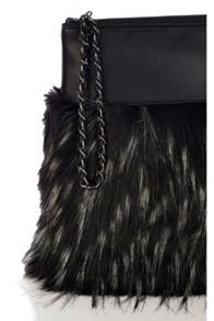 Mono faux fur clutch