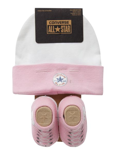 Converse New Born Hat And Booties Gift Set