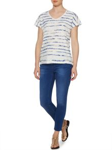 Top tie dye stripe easy v tee