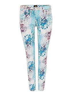 Scarlett skinny fit jean in spring all over