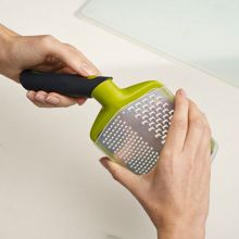Twist Grater - Coarse and Fine