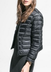 Water-repellent foldable jacket