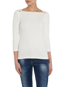 3/4 sleeved boat neck top
