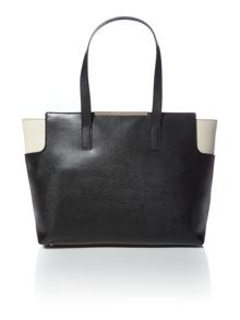 Monochrome tote bag