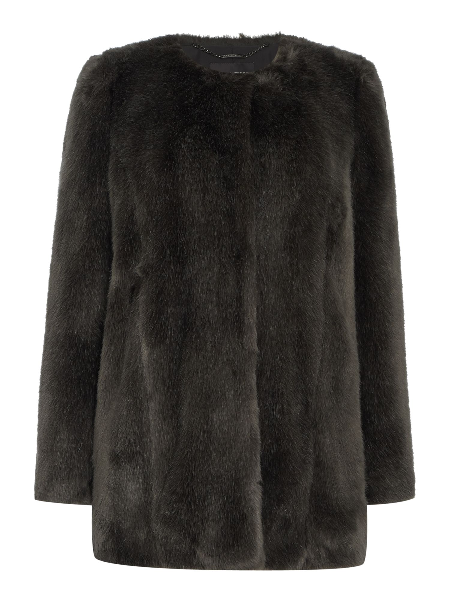 Faux Fur is always in fashion and at Designer Desirables you will find Faux Fur coats, Faux Fur jackets & gilets and Faux Fur boots. Whatever you are looking for we have it. Faux fur is easy to wear and washable so a great alternative to real fur.