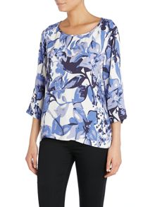 Part Two On trend  floral top 3/4 length sleeves.