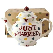 Just Married 4 Cup Teapot Boxed