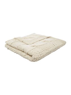 Highland cable knit cream throw